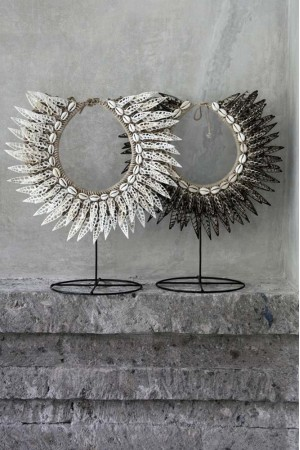 Metal íron stand for all of our shells